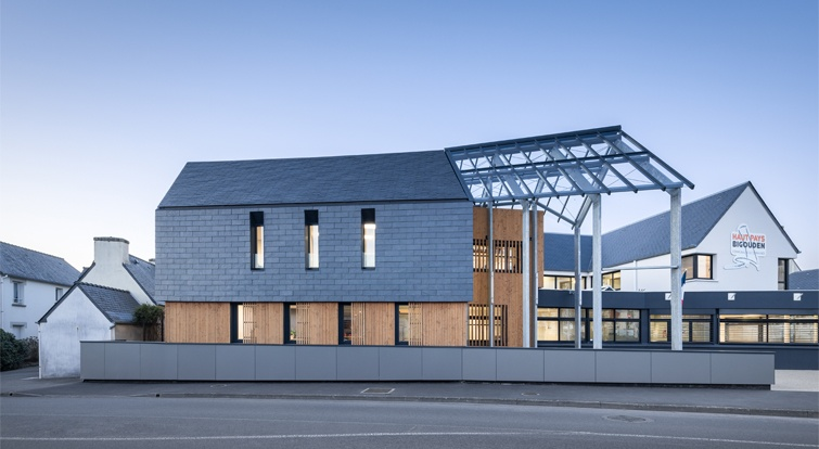 passive office building Haut Pays Bigouden in French Brittany