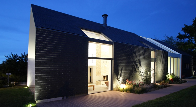 bioclimatic house in Crach (France) with cupa 10 natural slate