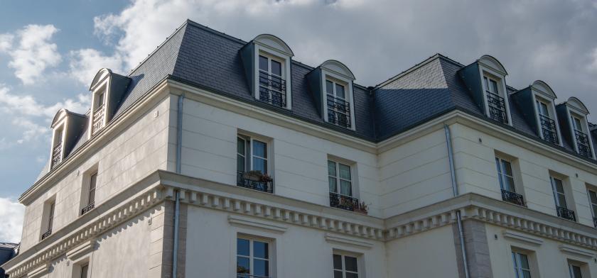 hotel de la Motte-Sanguin con pizarra cupa