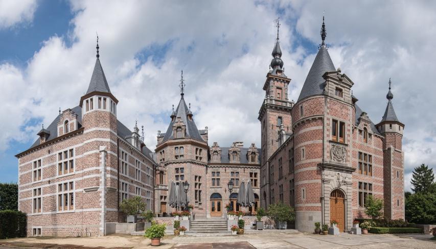 Kasteel van Ordingen in België werd met de natuurleien van CUPA PIZARRAS