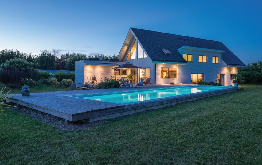 family home in loctudy france