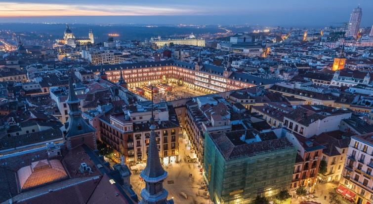 plaza mayor de madrid vista area nocturna