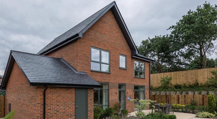 Area residencial Upper Longcross en Reino Unido