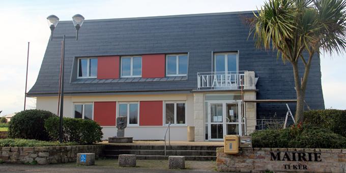 Mairie de Plougoulm avec CUPACLAD