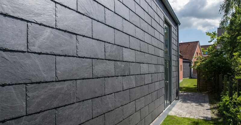 metallic structure for natural slate ventilated façade
