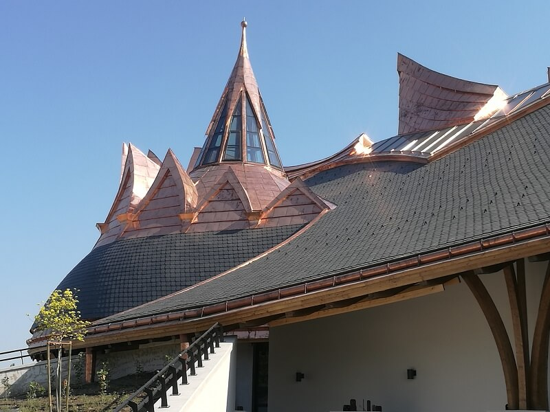 CUPA natural slate roof in an organic architecture project in Hungary