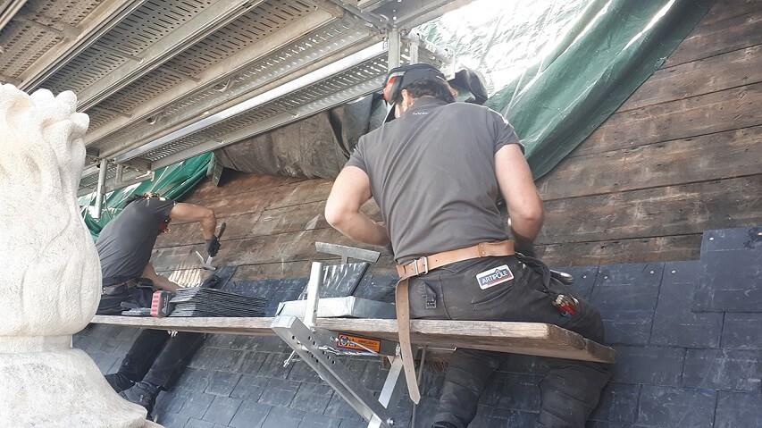 couvreurs dans un chantier à Bordeaux