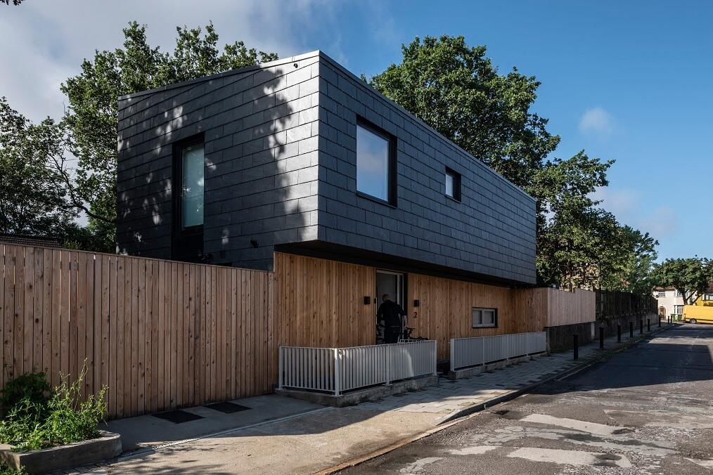 casa con fachada cupaclad