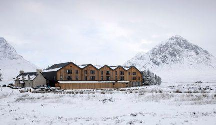 tejado de pizarra con nieve